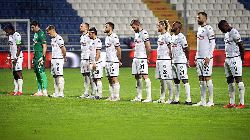 Denizlispor  bu sezon topladığı 6 puanla Süper Lig'de son sırada yer alıyor.