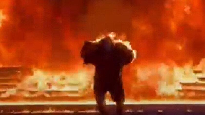 Ünlü Rapçi çekimler esnasında alevler içinde kaldı.