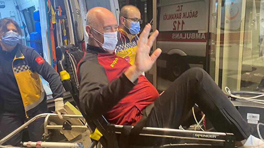 Sabiha Gökçen Havalimanı'na inen uçakla getirilen Özbey, ambulansla hastaneye sevk edildi