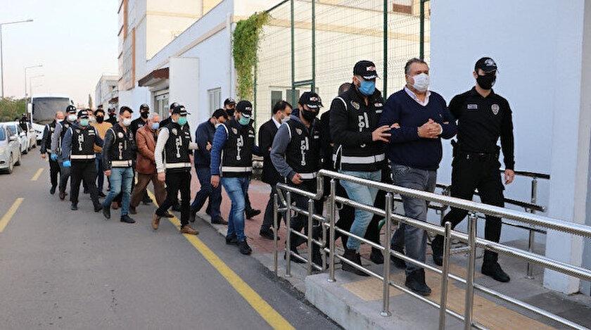 Ceyhan Belediyesine yapılan rüşvet operasyonunda gözaltına alınan zanlılar adliyeye sevk edildi