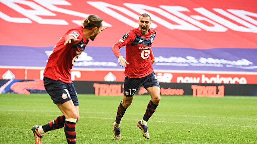 Milli futbolcularımız Lille'i sırtlamaya devam ediyor.