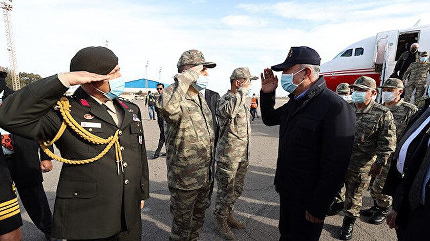 Genelkurmay Başkanı Orgeneral Yaşar Güler ve kuvvet komutanlarının da eşlik ettiği Bakan Akar, Libya'da.