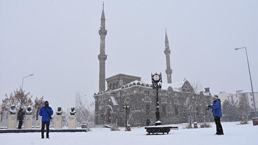 Doğu Anadoluda gece en düşük sıcaklık Kars ve Ağrıda ölçüldü: Eksi 19 derece