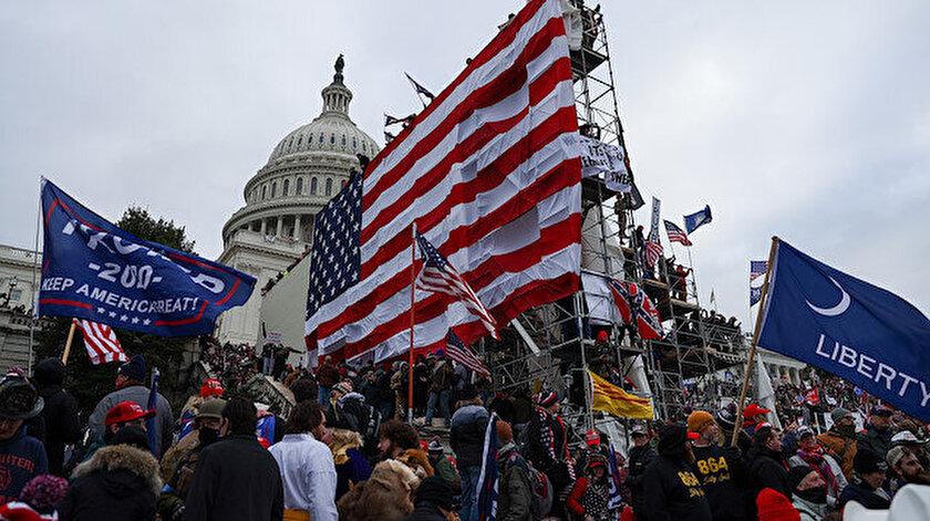 ABD'de Başkan Trump'ın taraftarları Kongre'yi basıp işgal etti.