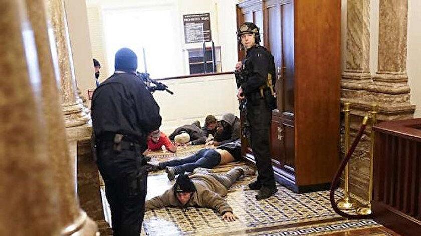 ABD miting sonrası göstericiler kongre binasını bastı.