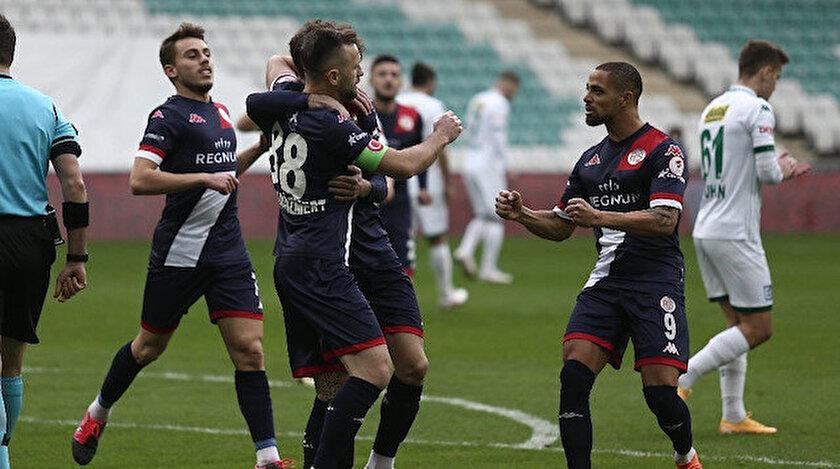 Antalyasporlu futbolcuların gol sevinci