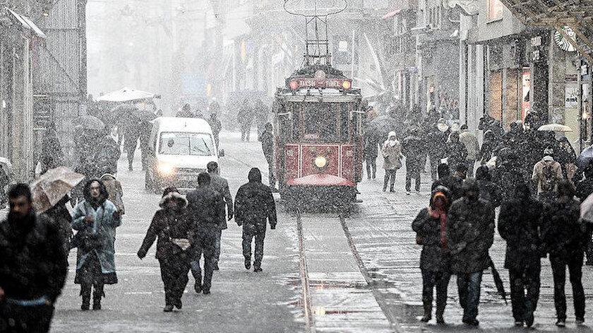 İstanbul'da 4 gün kar yağışı etkili olacak.