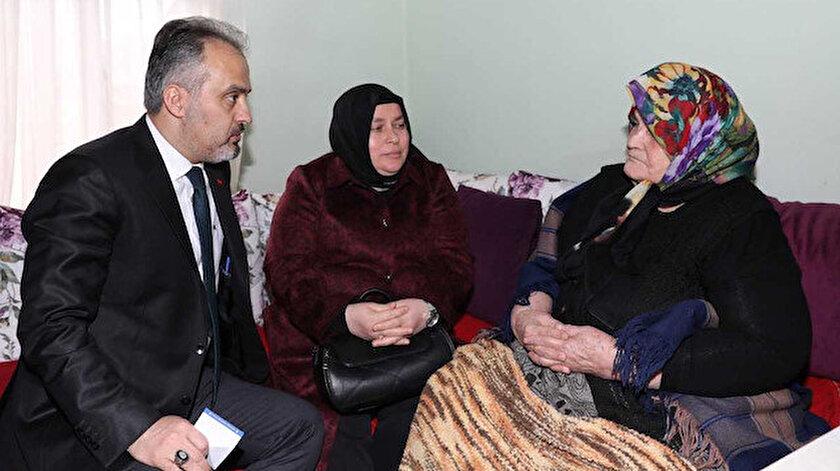 Bursa Büyükşehir Belediye Başkanı Alinur Aktaş, sağlıkta olduğu gibi hastalıkta vatandaşların yanında olduklarını vurguladı.