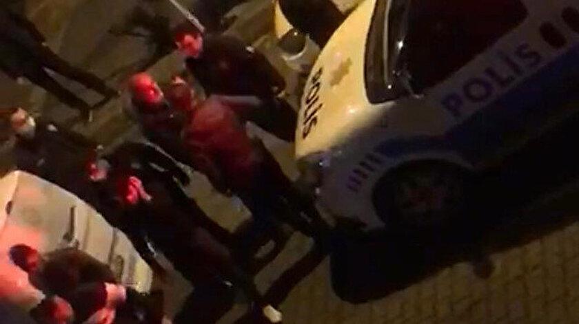 Polis ve mahalle bekçileri, cep telefonlarının ışıklarıyla yaklaşık 10 dakika boyunca olay yerinde arama yaptı.