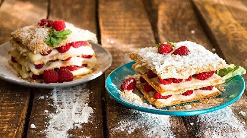 Çilekli milföy pasta tarifi: Çilekli milföy pasta nasıl yapılır?