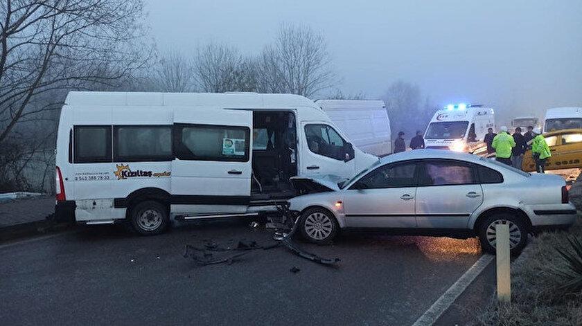 Bartın'da meydana gelen ve 10 aracın karıştığı zincirleme kazada 12 kişi yaralandı.