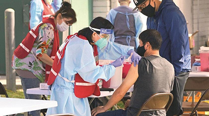 Salgınla küresel mücadele sürüyor: 51 ülkede 40 milyon doz aşı uygulandı