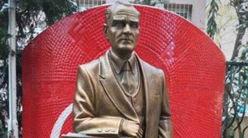 Yeni heykeli de Atatürk'e benzemediği için tartışma yarattı.