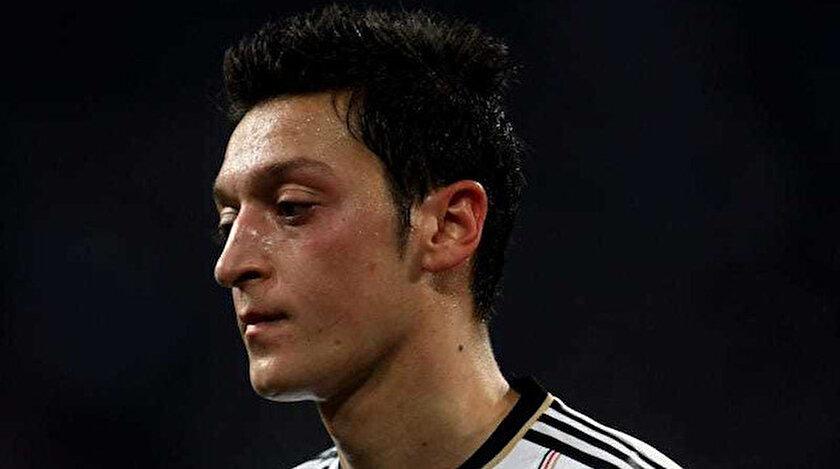 Mesut Özil, Türkiye'den gelen milli takım teklifini reddetmiş ve Almanya forması giymişti.
