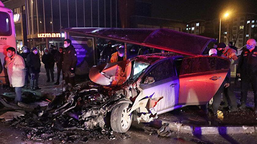 Kazada sürücü hayatını kaybetti.