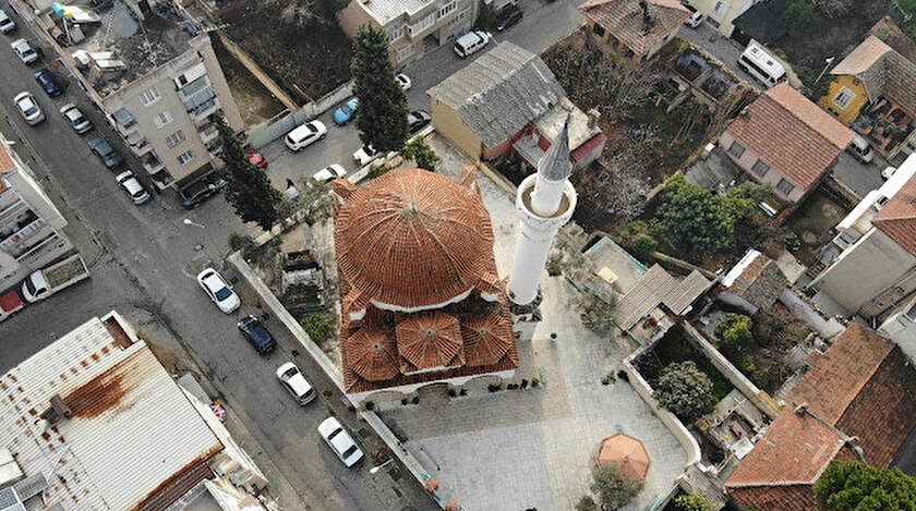 Üveys Paşa Camisi