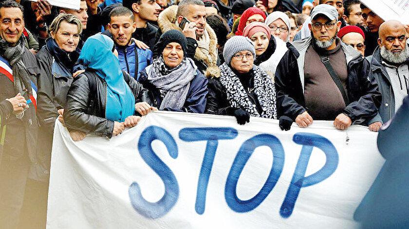 Fransa İslam Konseyi'ne bağlı 5 federasyon hafta başında Macron'un da katıldığı bir toplantıda metne imza attı.