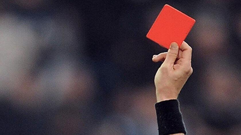 İlk yarıda sadece iki takım kırmızı kart görmedi.