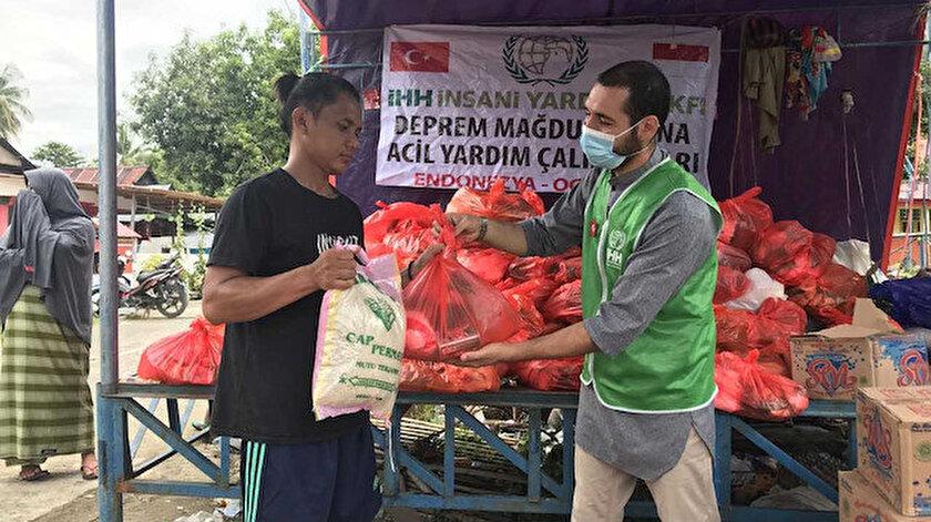 İHH Endonezya'da insani yardım çalışmaları yürütüyor.
