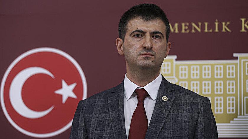 CHP'de ortalık karıştı: İstifa eden Mehmet Ali Çelebi'den Özgür Özel'e sert sözler