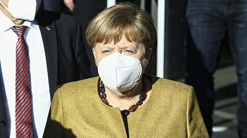 Merkelden Kovid-19 aşı açıklaması: Yaz sonunda herkese aşı imkanı sağlamak istiyoruz