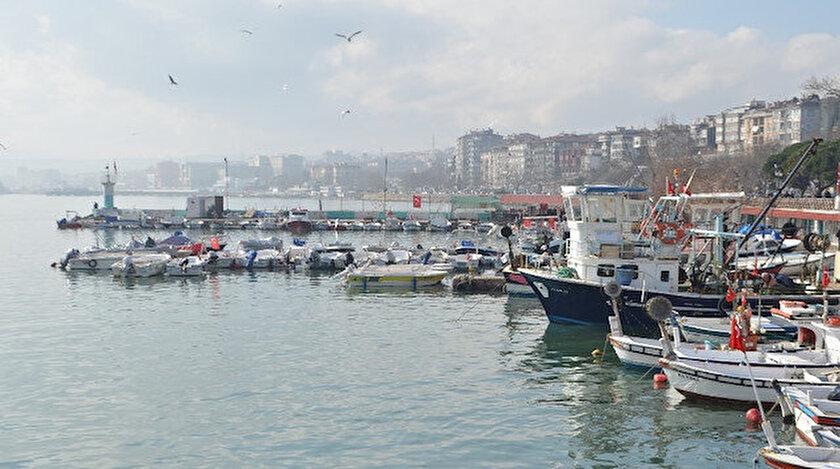 Lodos bitti kaykay başladı: Marmarada avlanmak imkansız hale geldi