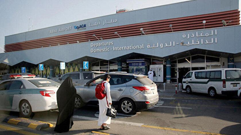 Husilerden Suudi Arabistanın Abha Havalimanına saldırı: Alandaki sivil bir uçakta yangın çıktı