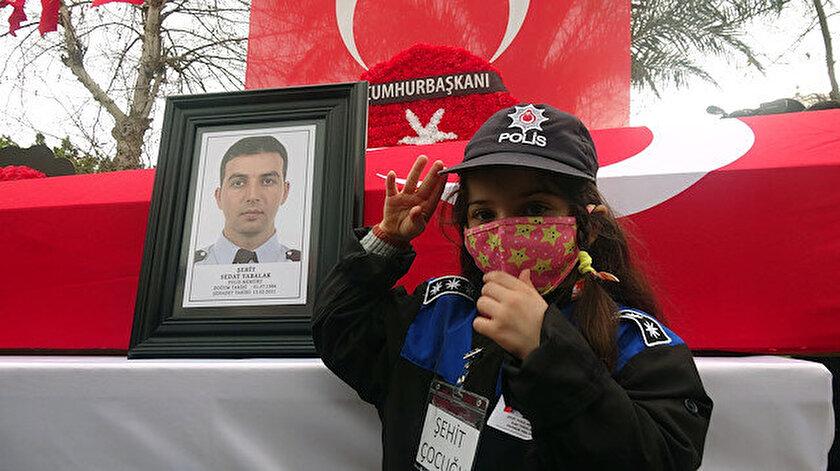 Zeynep Senadan şehit babasına asker selamı