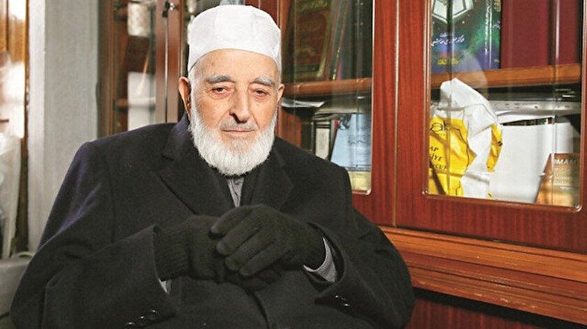 Türkiyenin önde gelen hadis alimlerinden Muhammed Emin Saraç hoca vefat etti
