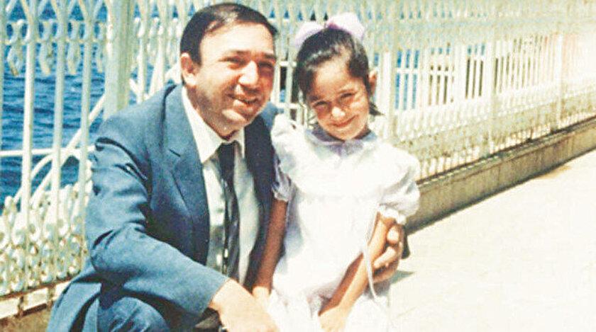 Türker İnanoğlu kızı Zeynep ile birlikte.