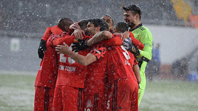 Beşiktaş ligde çıktığı 24 maçta 51 puan topladı.