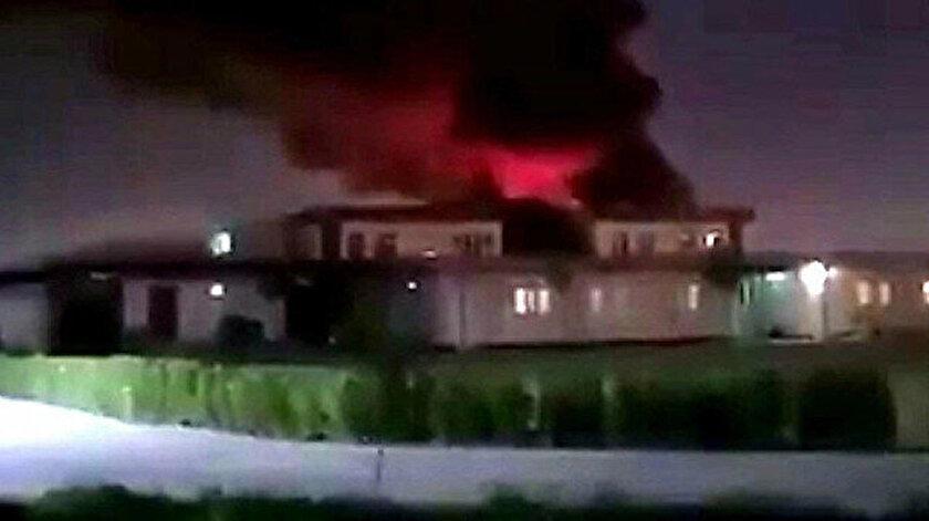 Saldırının gerçekleştiği Yeşil Bölge'den dumanlar yükseldi.