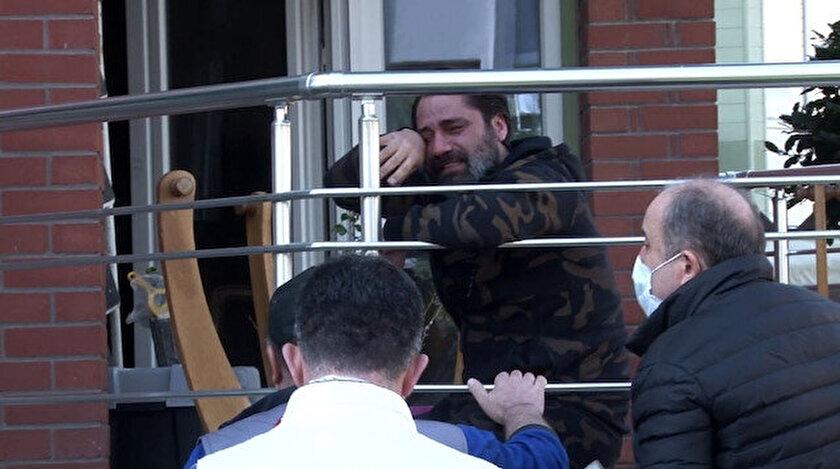 Çılgın Sedat gözyaşlarına boğuldu.