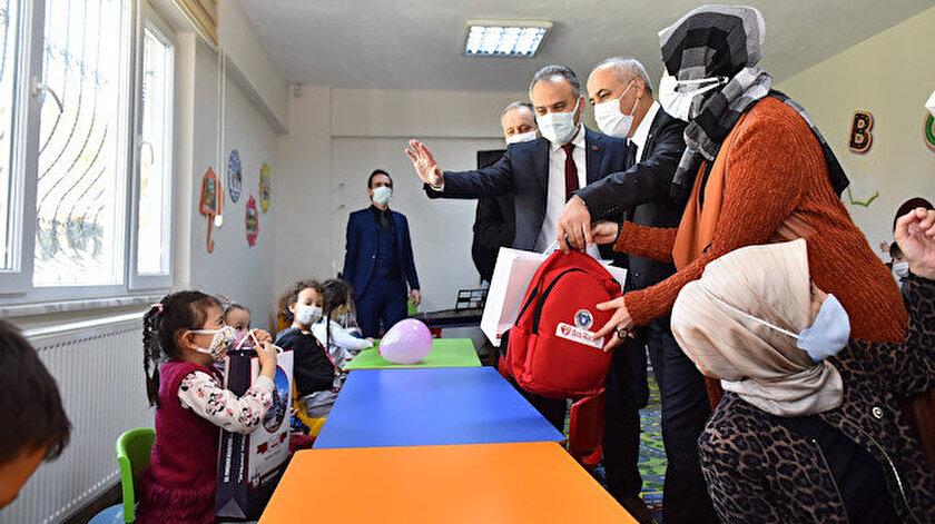 Bursa Büyükşehir Belediyesi Başkanı Alinur Aktaş, miniklerle bir araya geldi.