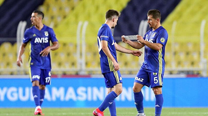 Emre Belözoğlu son maçında kaptanlık pazubandını Ömer Faruk Beyaz'a vermşti.