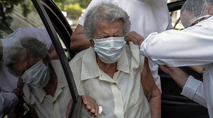 Ülke genelinde ise toplam vaka sayısı 10 milyonu geçerken, virüse bağlı toplam can kaybı sayısı 246 bin 504'e ulaştı.