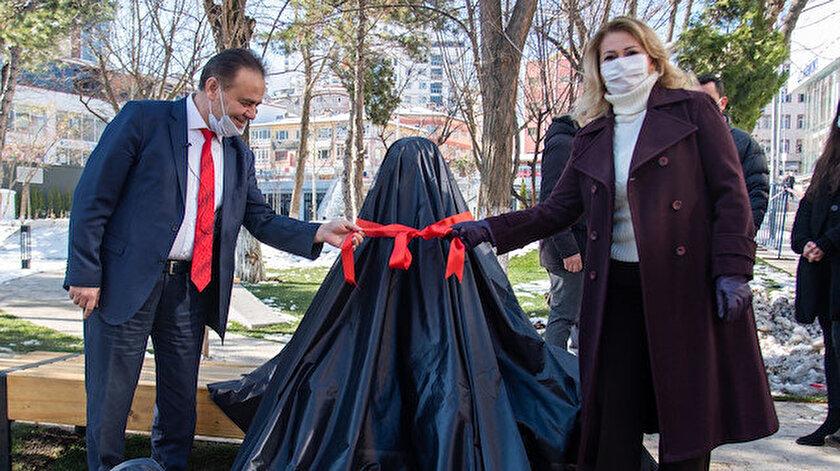 CHP'li Başkan Şahin'den bir heykel açılışı daha.