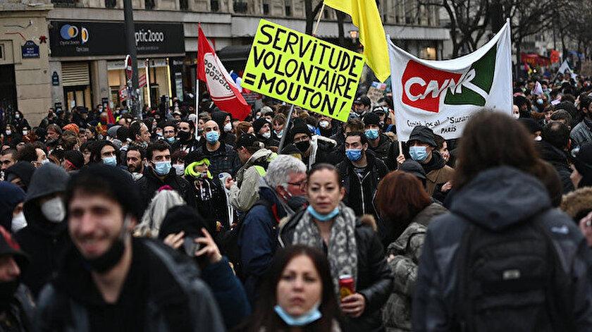 Fransa'da gösteri hazırlığındaki grubun lideri 'nedensiz' tutuklandı: 5 yıl hapis ve 45 bin euro ceza ile yargılanacak
