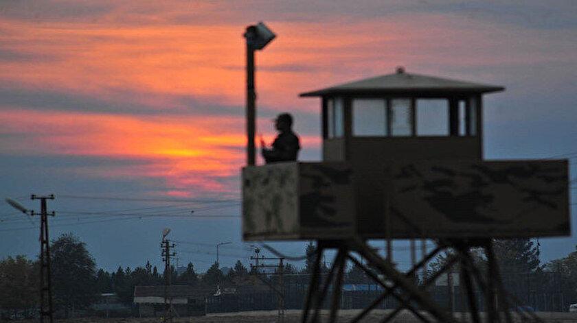 Edirne sınır hattının çeşitli bölgelerinde Yunanistana kaçmaya çalışan 3 şahıs yakalandı