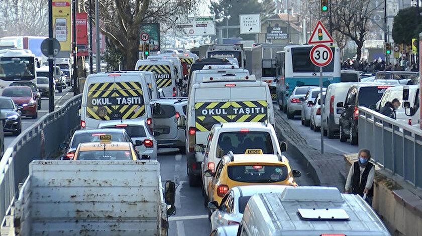 İstanbulda trafik kilit: Yoğunluk yüzde 71 çıktı