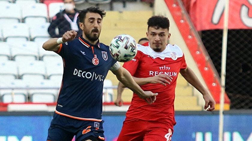 Başakşehirin galibiyet hasreti 9 maça çıktı: Kaleyi bulan şut atılmadı