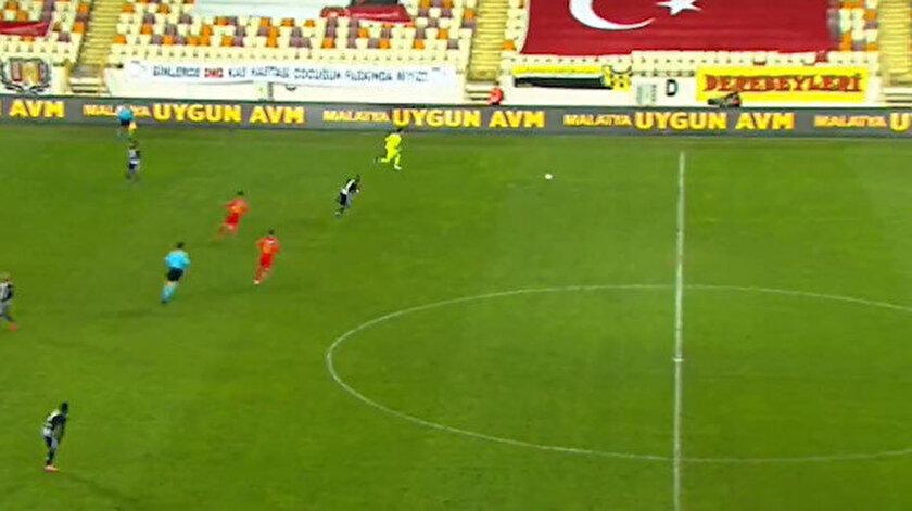 Kaleci Ertaç Özbirin Beşiktaş maçında atağa katılması İspanyada gündem oldu