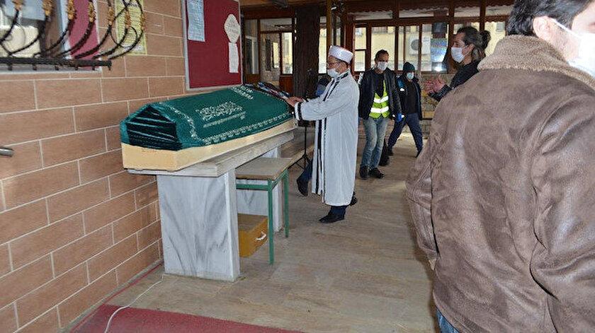 Trabzonda cenazeye katılan 100 kişiden 40'ının korona testi pozitif çıktı