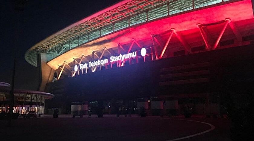 Galatasaray-Sivasspor maçı öncesinde zemin endişesi