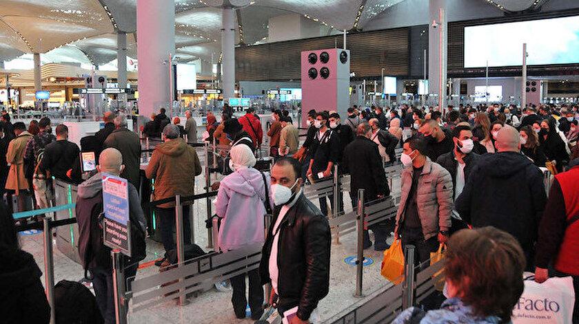 İstanbul Havalimanında yolcu yoğunluğu