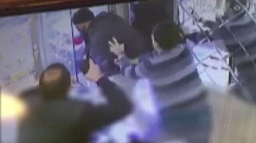 Bağcılarda silahlı soygun girişimi: Kuyumcu da silah çıkarınca arkasına bakmadan kaçtı