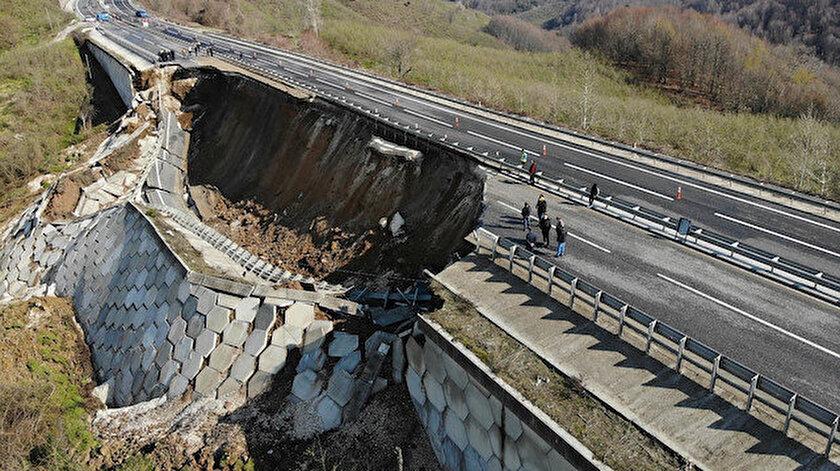 Heyelan ve çökme meydana gelen Düzce-Zonguldak yolunda çalışma başlatıldı
