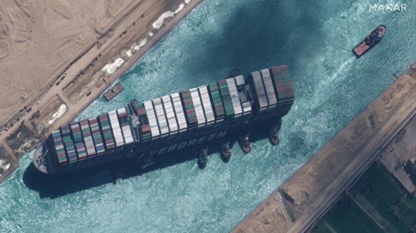 Dünya ticaretini aksatmıştı: Mısır Süveyş Kanalını kapatan gemiyi alıkoyacak
