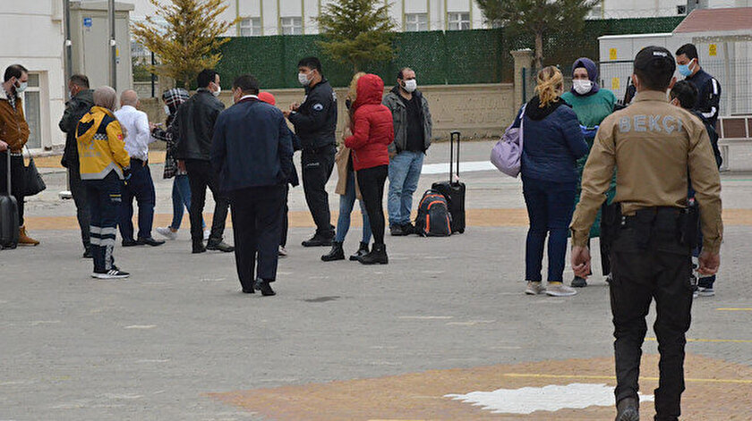 Karamanda koronavirüs testi pozitif çıkan yolcunun bulunduğu otobüsteki 16 kişi karantinaya alındı