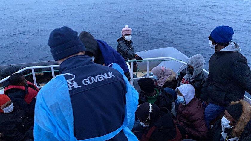 Yunanların botlarını patlattığı 30 Afrikalı mülteciyi Türk sahil güvenliği kurtardı